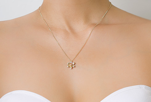 6b70ea362 Daffodil Pendant. Alternative Item Image. Detail Item Image