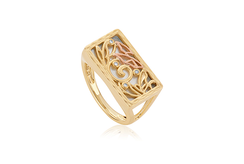 Tylwyth Teg White Mother of Pearl Ring