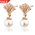 Rose Windsor Pearl Stud Earrings
