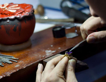 Handcrafted jewellery with rare Welsh gold