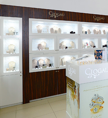Display cabinet at Clogau Bridgend store