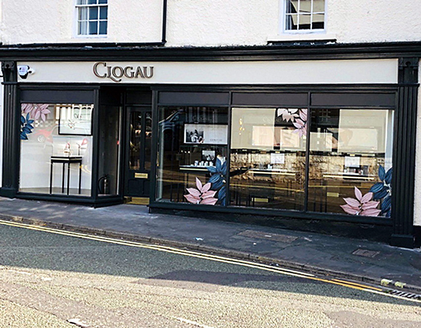 ruthin store front
